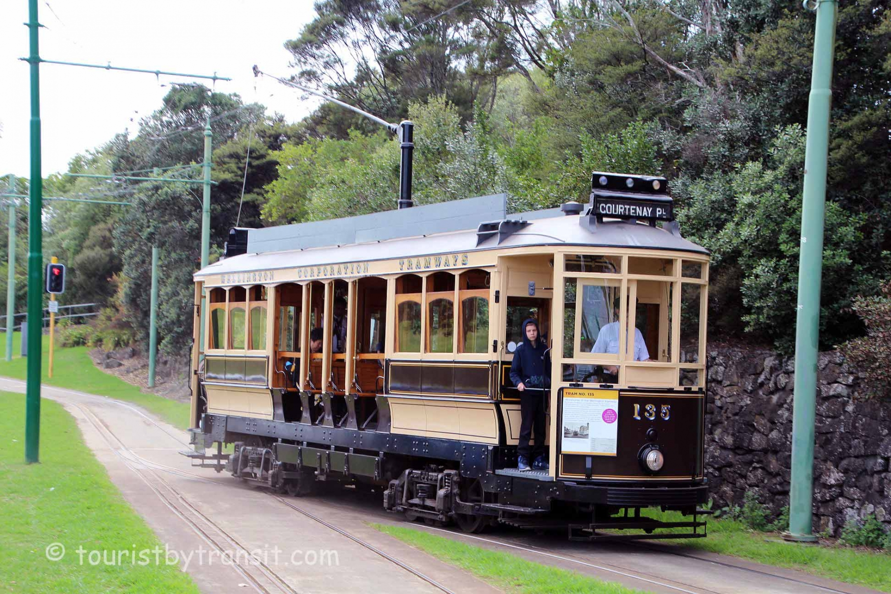 Auckland-190316-05