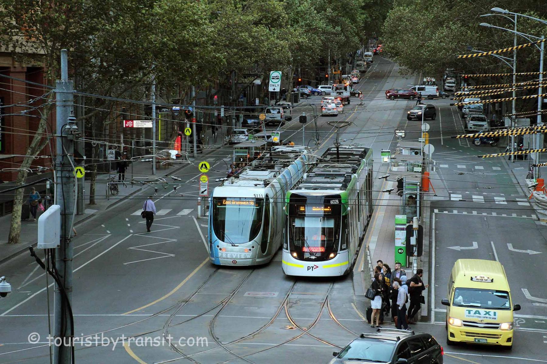 Melbourne-190325-02