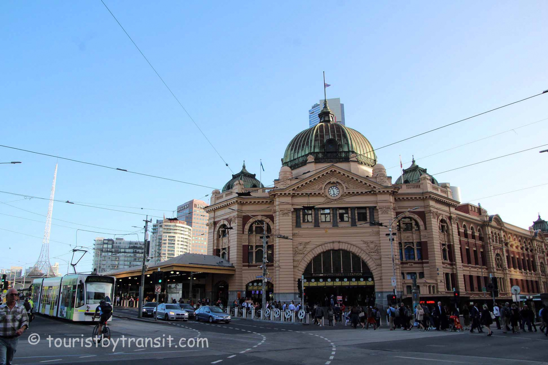 Melbourne-190325-06